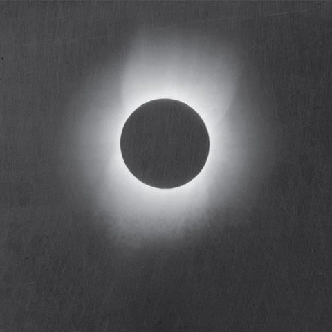 Photo of the May 28, 1900, total solar eclipse captured by Thomas Smillie on the Smithsonian's Solar Eclipse Expedition