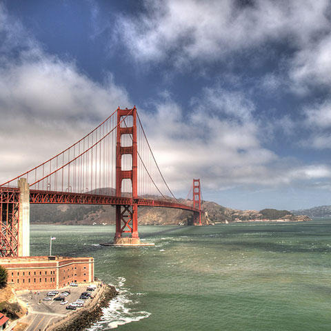 Photo of the Golden Gate Bridge in San Francisco, California