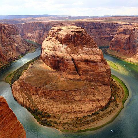 Photo of Horseshoe Bend along the Colorado River in Arizona