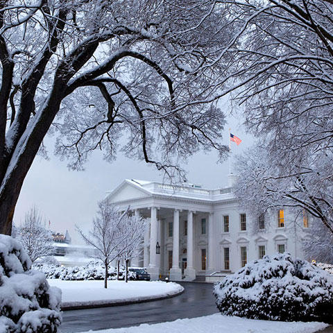 Photo of snow blanketing the White House south grounds on February 3, 2010