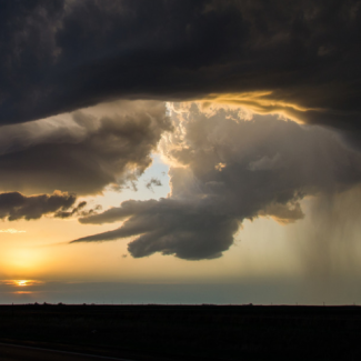 Photo of supercell thunderstorm above western Kansas