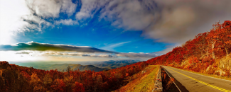 Photo of the Blue Ridge Mountains in Virginia in autumn