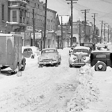 Photo of snow in Cleveland during the November 22–30, 1950, storm