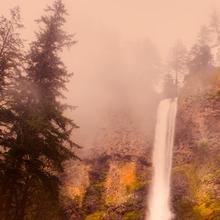 Photo of Multnomah Falls in Oregon